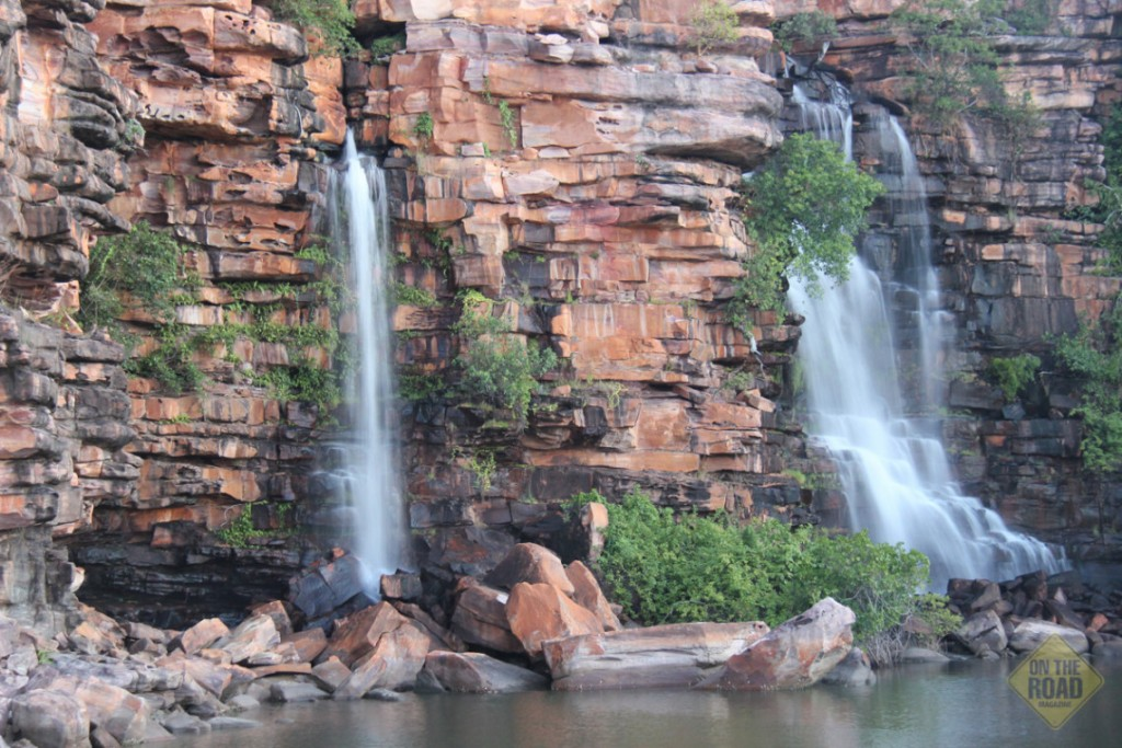 Waterfalls-at-Waterfall-Beach-Koolama-Bay-on-the-Kimberley-coast-WA