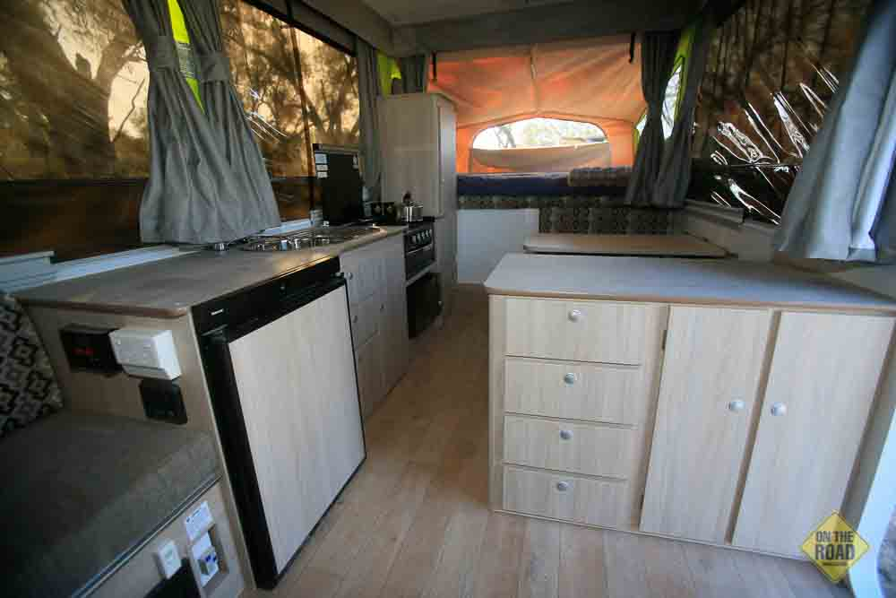 Simple Fitted With Conduit Carrier,Fridge,Sink,2 X Double Mattresses,Microwave,StovetopGrill,Tare Mass1404Kgs,ATM1704Kgs, GTM1557Kgs In Most Cases Buyers Collect Pickles Online Items Directly From The