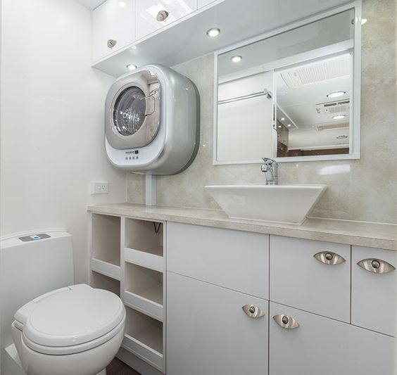 Full Ensuite with Mini Washing Machine 38w