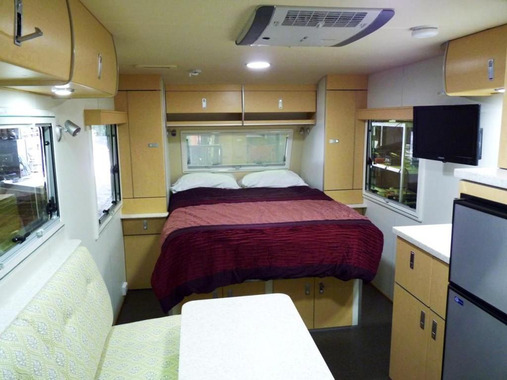Discoverer 1600 Off Road Caravan bedroom