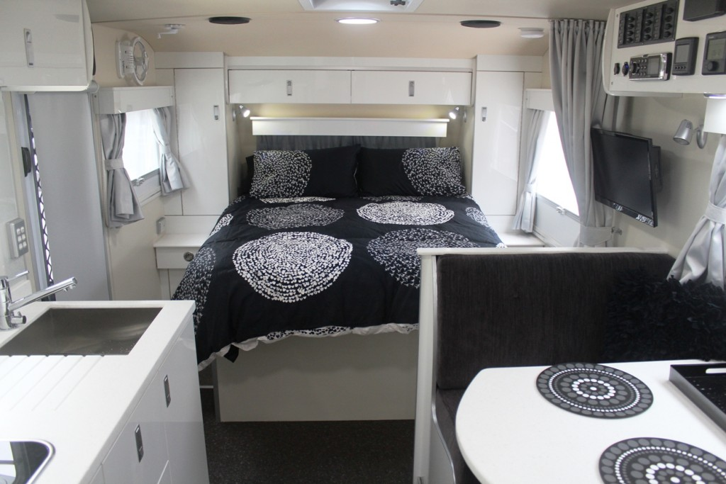 slr discoverer 18 foot off road caravan interior