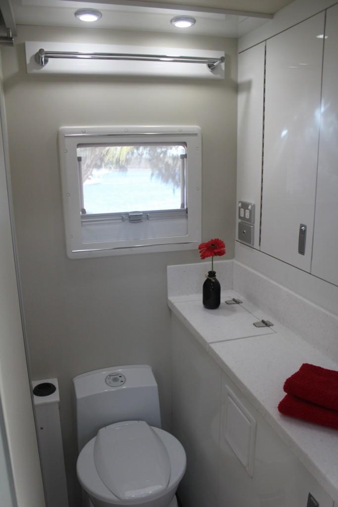 slr discoverer 18 foot off road caravan toilet