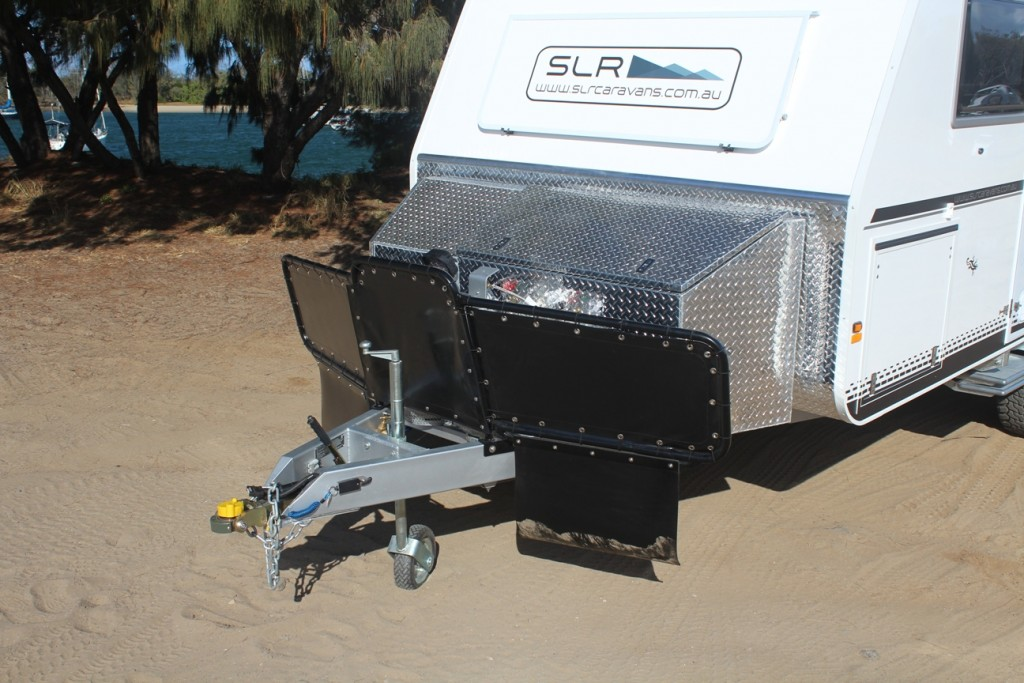 slr discoverer 18 foot off road caravan exterior