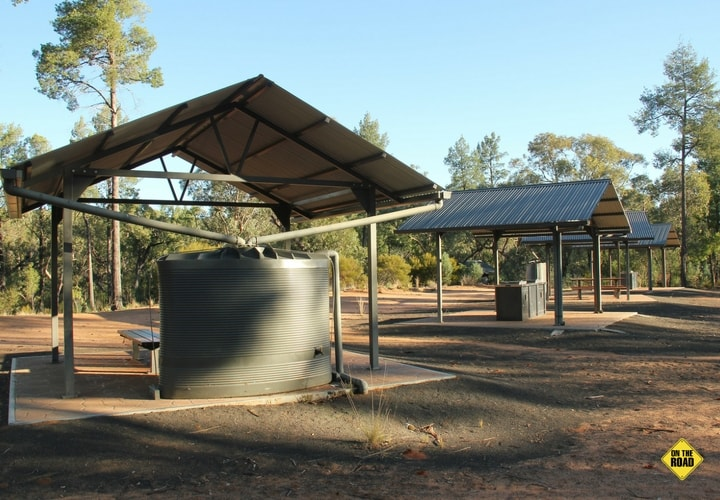 Limited untreated tank water is available in the picnic-camping area at Dandry Gorge