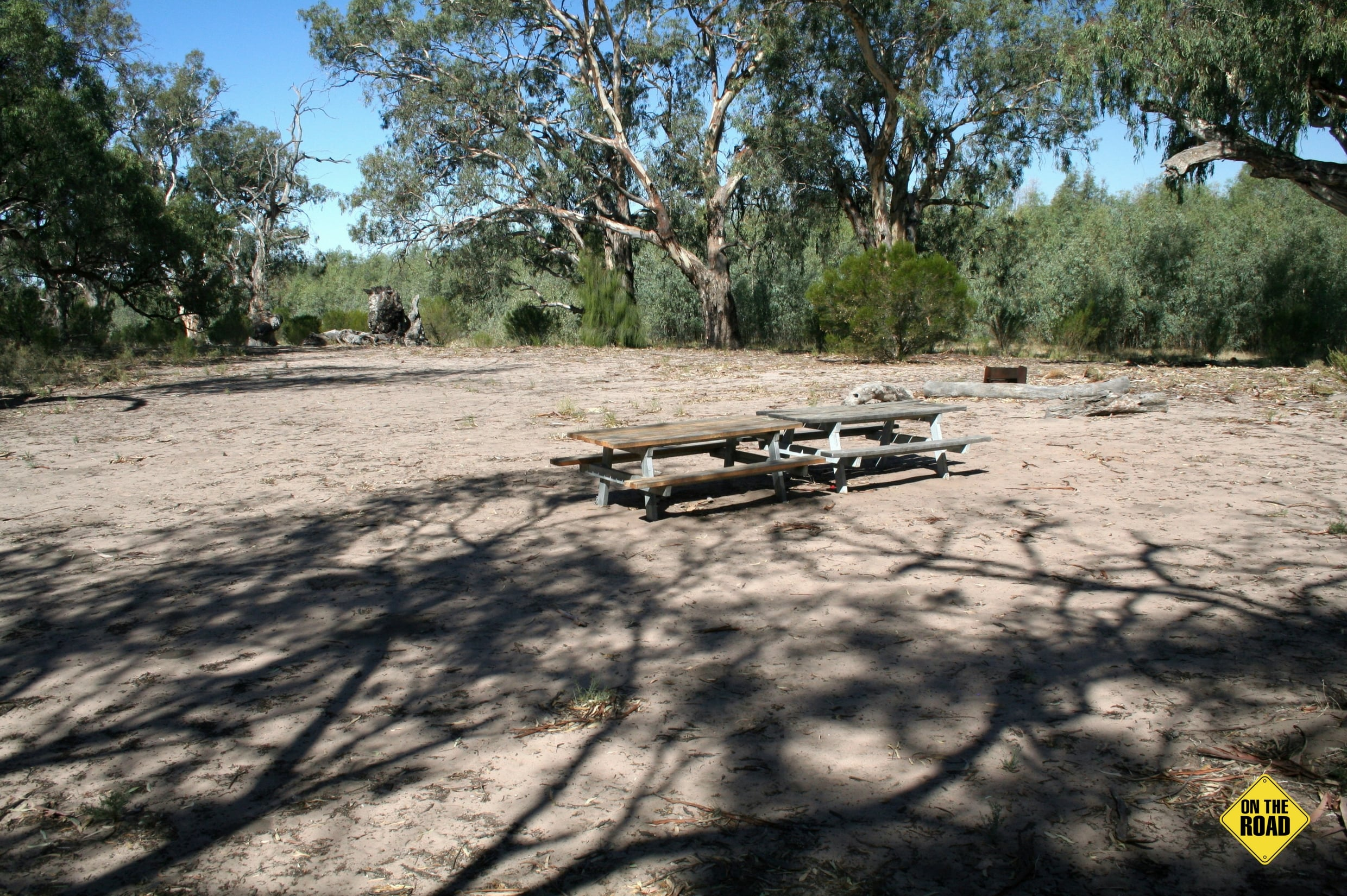 picnic tables at Hattah Lake Campsite