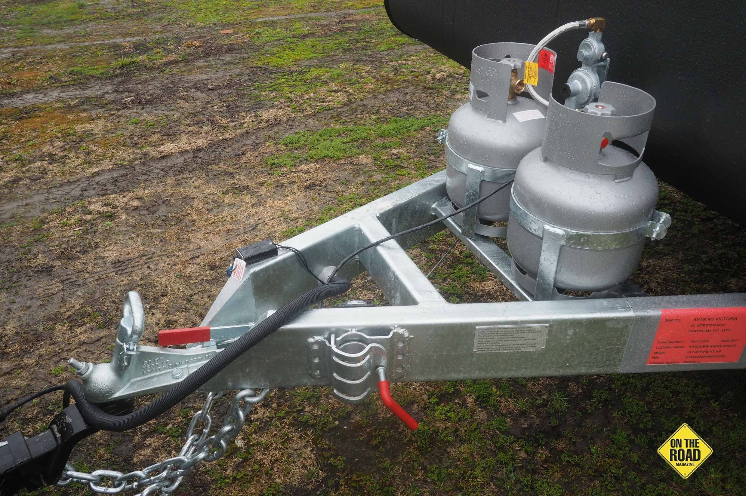 The AL-KO A-frame includes stability control break away system and twin gas bottles