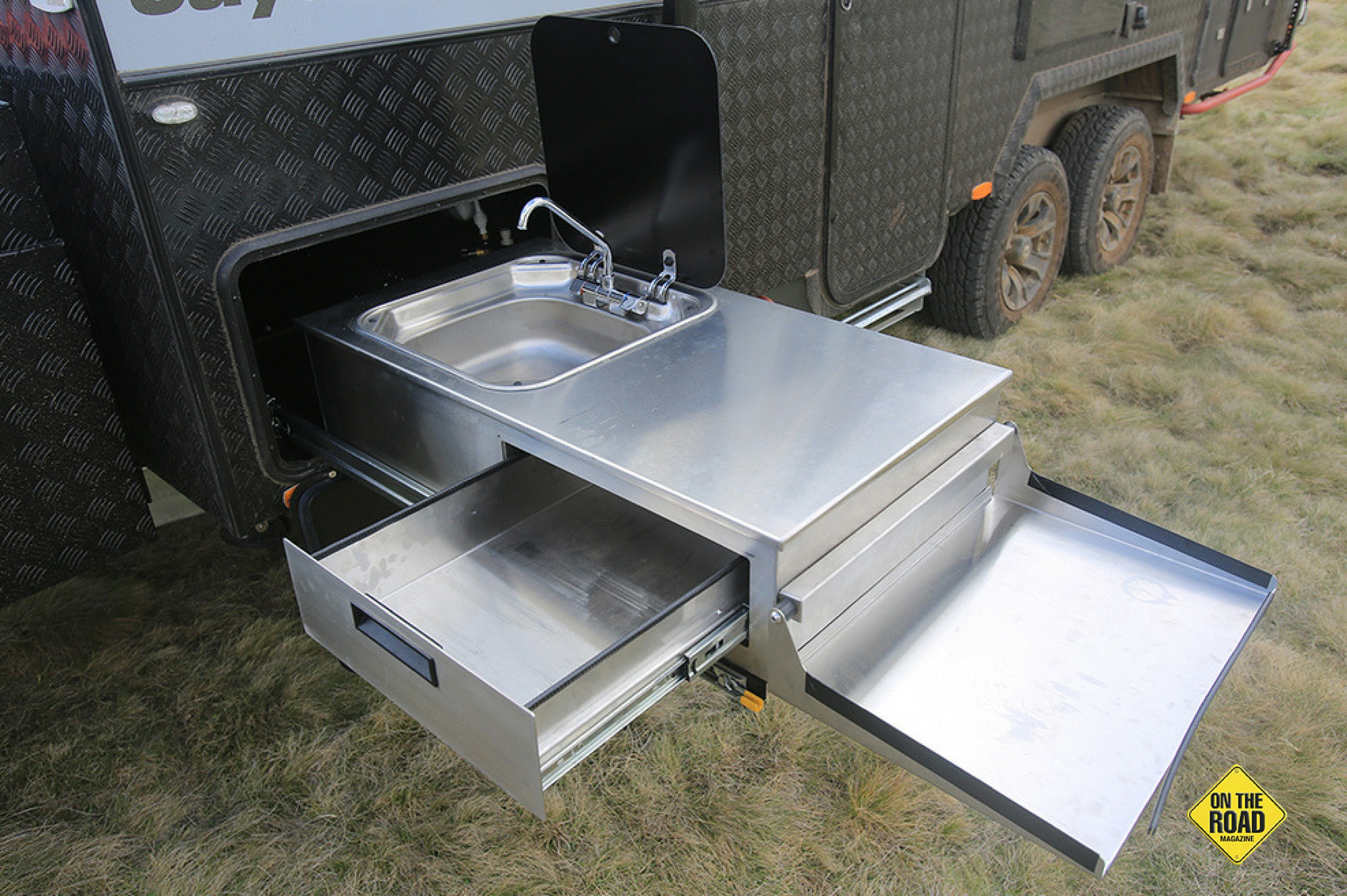 It has a pullout kitchen