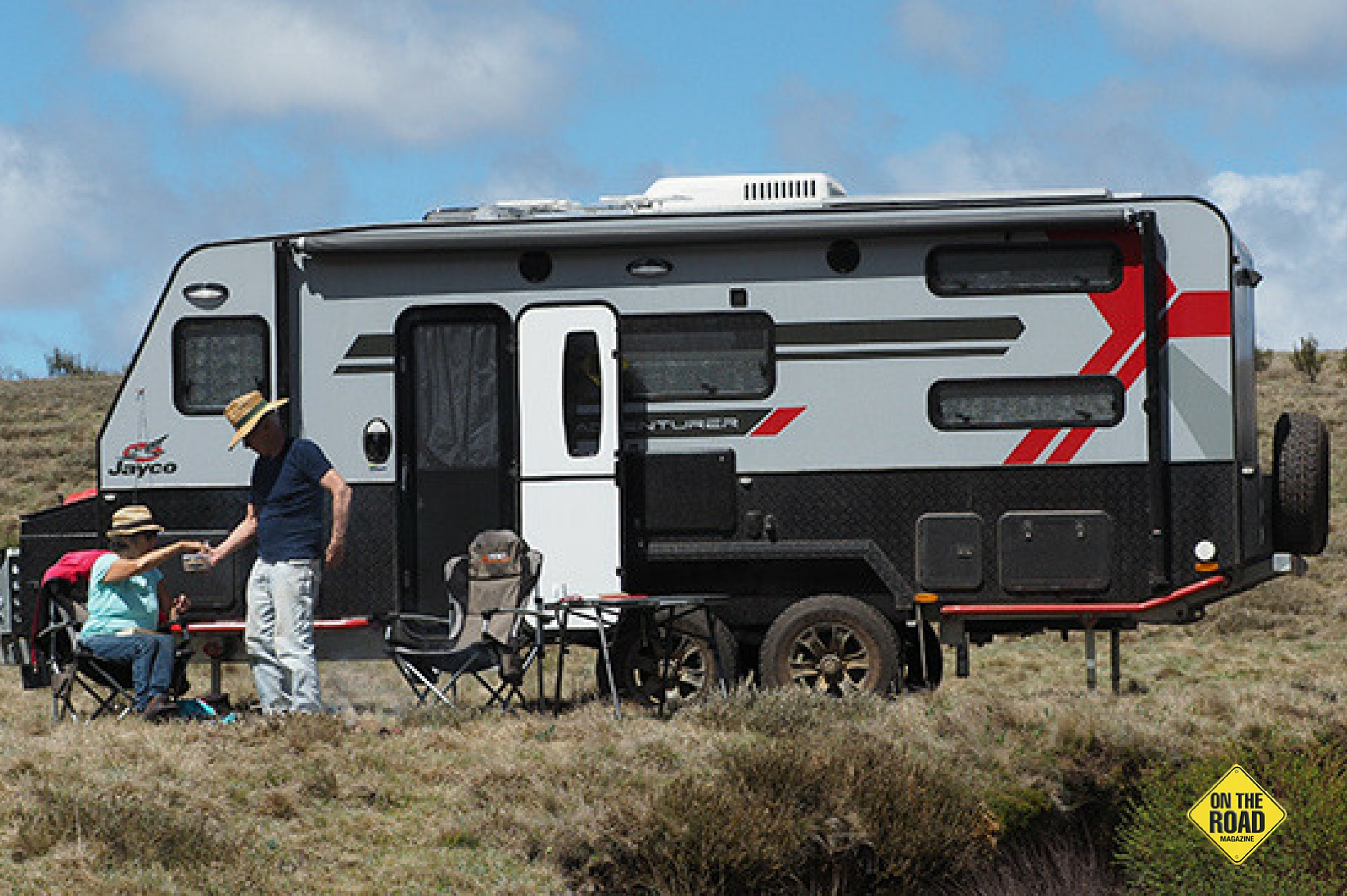 Jayco Adventurer 19.6-3 side view