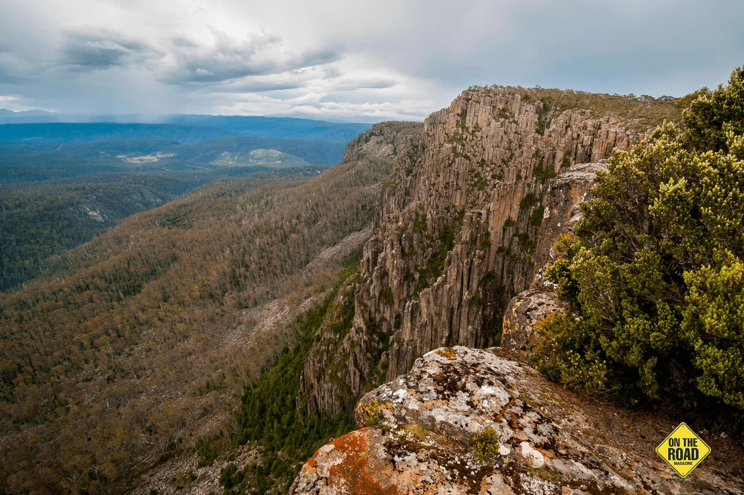 The view from Devils Gullet takes in Tasmania's highest mountain peaks