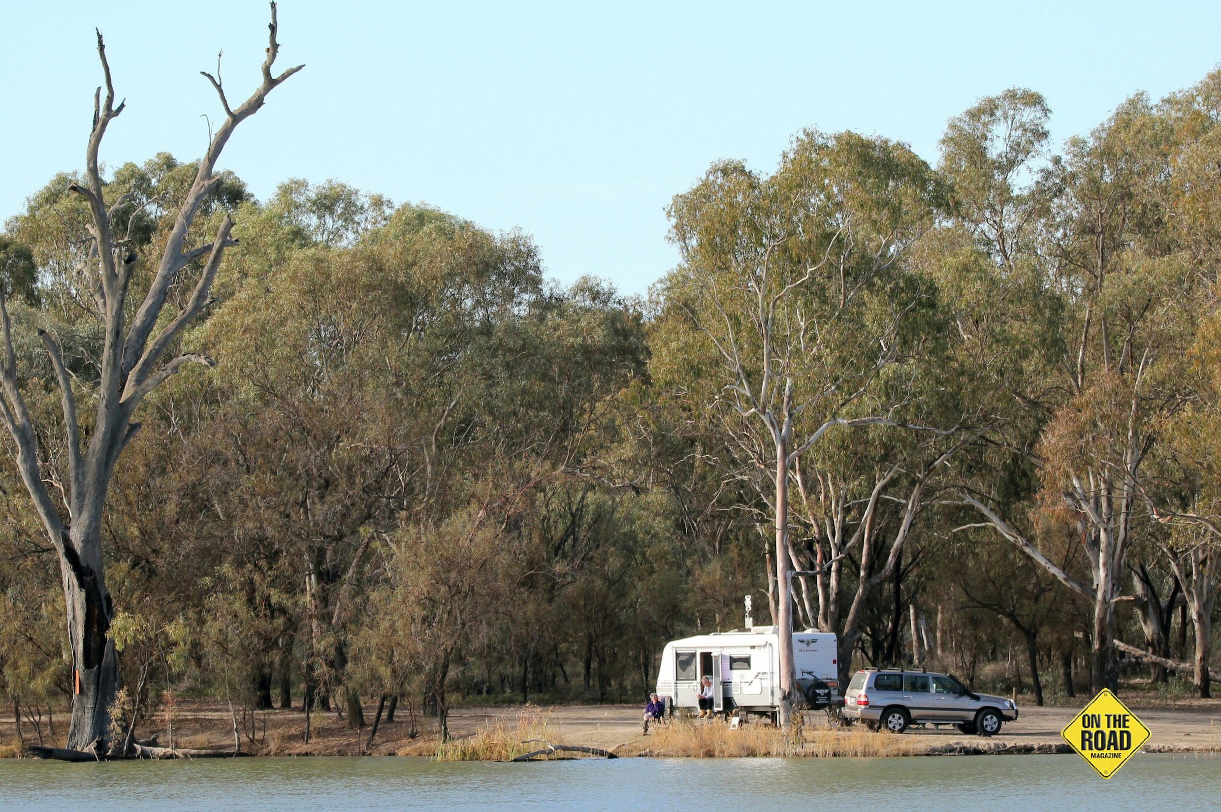 Camping tight on the bank of the mighty Murray River
