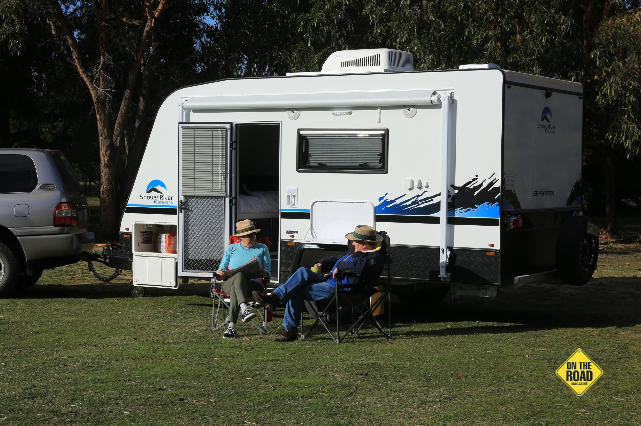 Couples camping with Snowy River