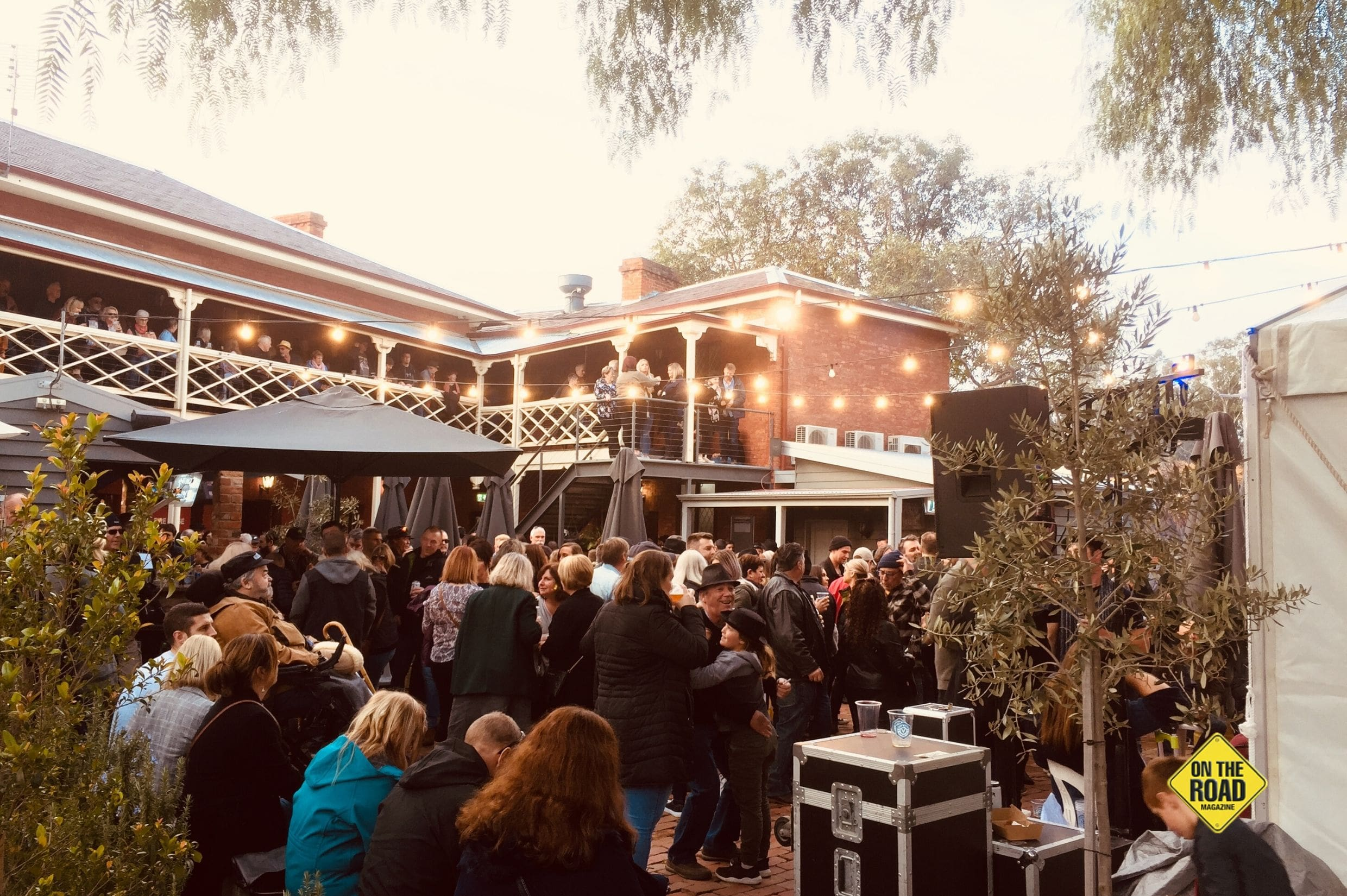 On the banks of the mighty Murray River twin towns of Echuca Moama hold the Winter Blues Fest-min