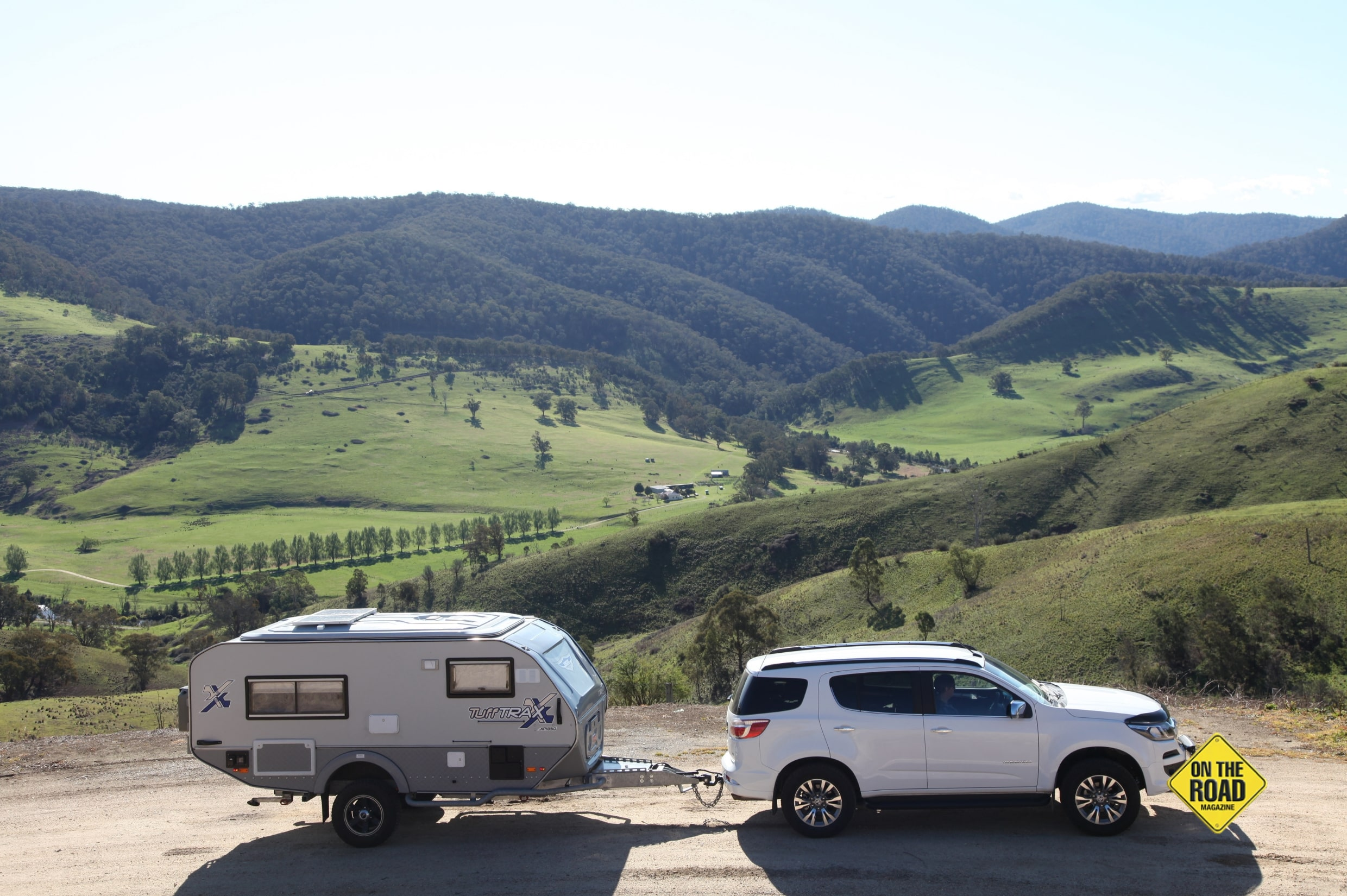 The lovely valleys along the Snowy River road-min