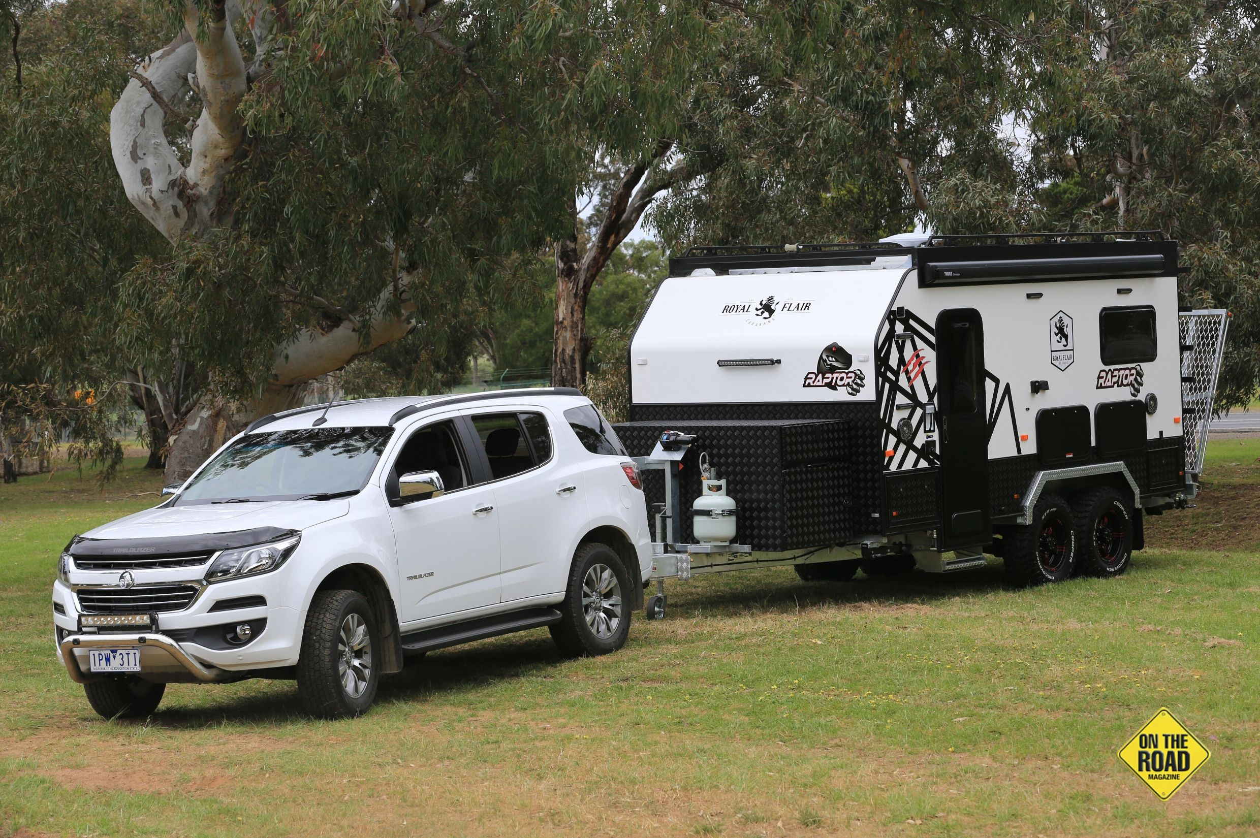 The Holden Trailblazer towed the Raptor with ease