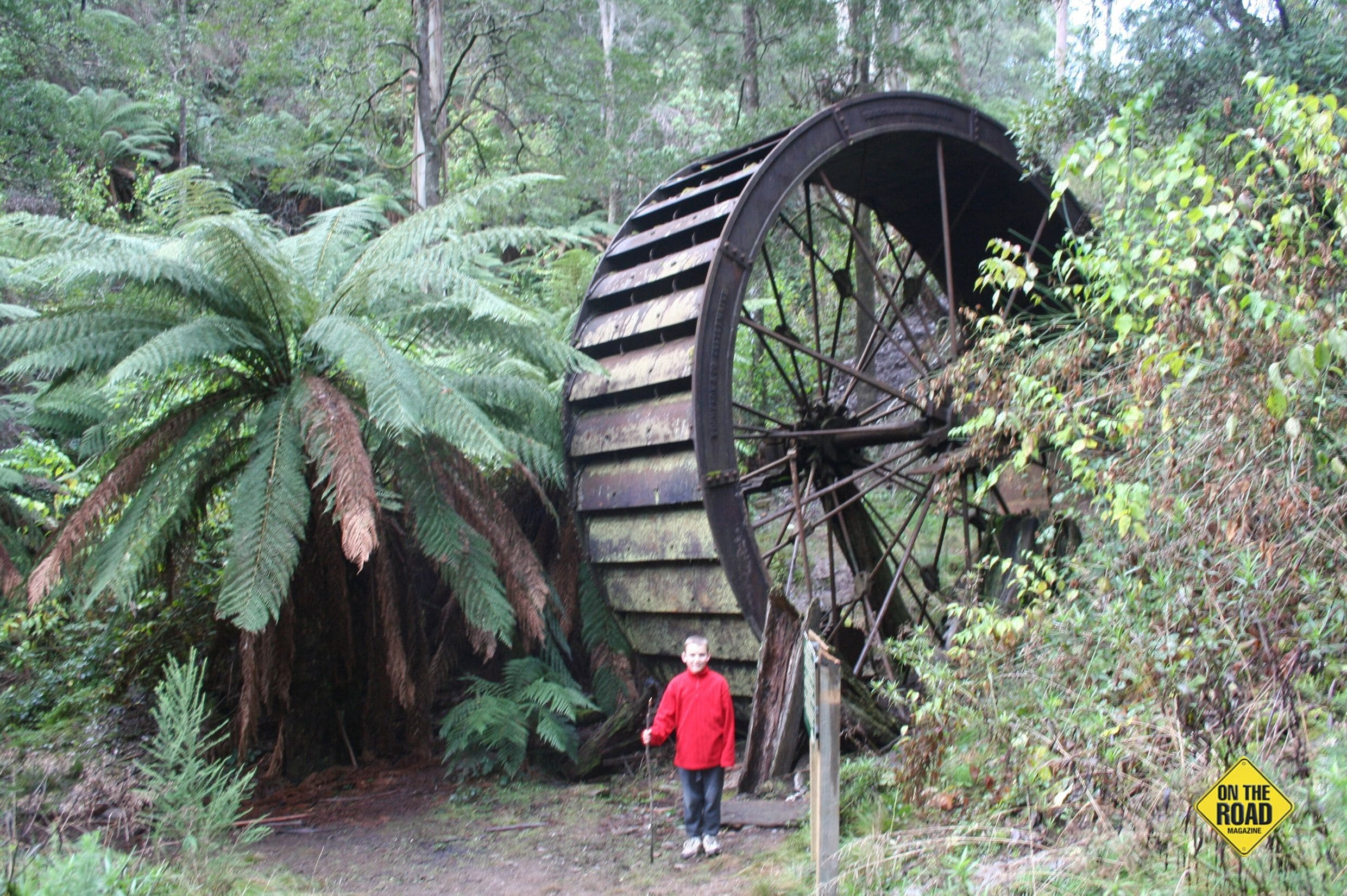 Old water wheel near Store Point